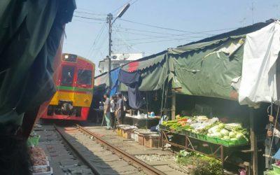 Maeklong Railway Market & Amphawa Floating Market